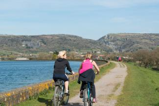Cyclists at Cheddar Reservoir, Mendip Hills AONB